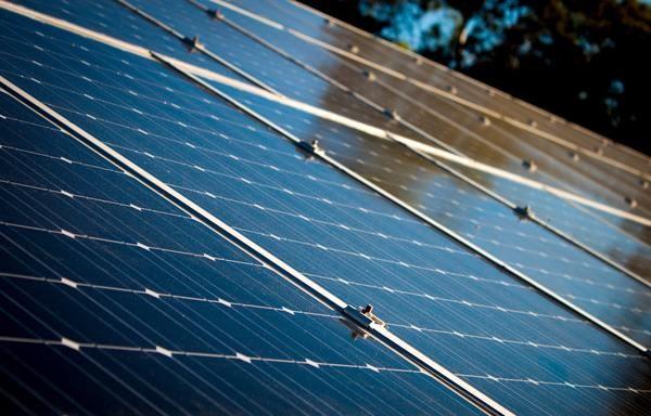 aurinkosähköjärjestelmä