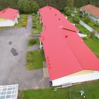 Oulun kattopalvelu Oy - rivitalo iinatti valmis eestä.jpg