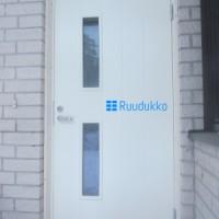 Ruudukko - Ruudukko_UlkoOvi.png