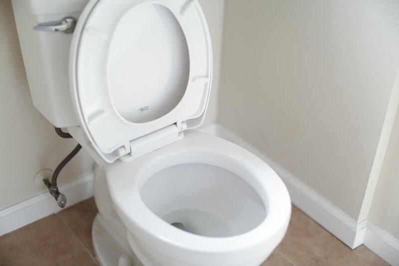 wc-pöntön asennus
