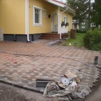 Aallon Tili & Rakennus - Pihakiveystä Jokelassa.JPG