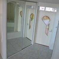 JV SanRak Oy - peilikaappi.JPG
