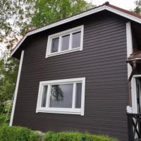 HL-Ikkunat Oy (Pihla-edustus) - Mökin seinä ja ikkunat.jpg