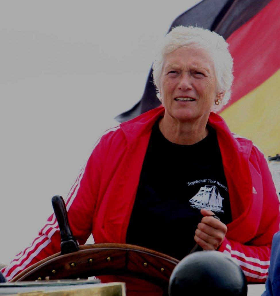 Im Dienst der Friedrich-Alexander-Universität am Steuer der Thor Heyerdahl im August 2009.