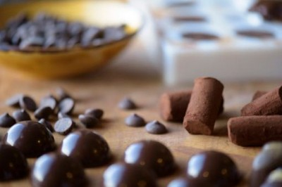 Chocolate Making  (Petit Fours)