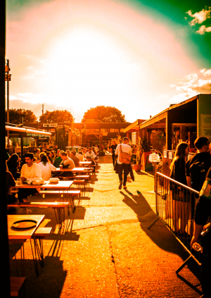 Saturday Brunch: DJs in The Yard at Costa Del Tottenham