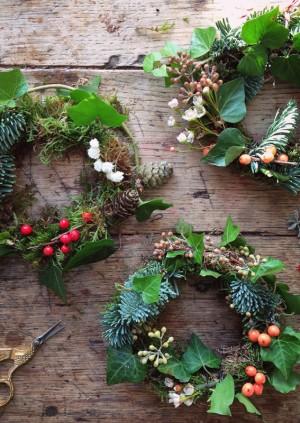 EVENING CHRISTMAS WREATH MAKING