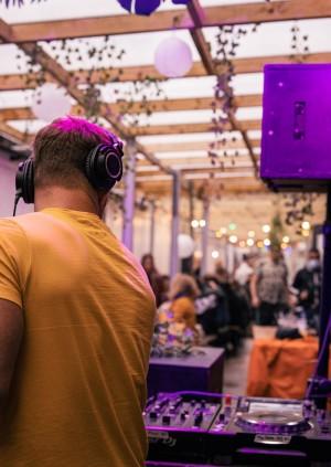 DJs in The Yard   Motive Hunter Family Takeover