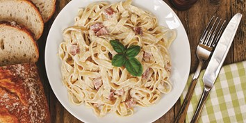 Anna's simple 5 ingredient spaghetti carbonara recipe, great for cooking with the kids!