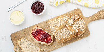 Organic breakfast recipes including organic sausages and bacon, organic bread, yoghurt and fruit.