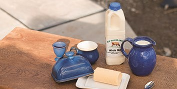 Eversfield Organic grass fed Jersey dairy, organic milk, cream, butter and yoghurt. UK delivery.