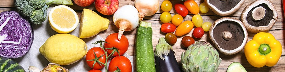 Seasonal fresh fruit and vegetable boxes from organic certified growers for UK home delivery.