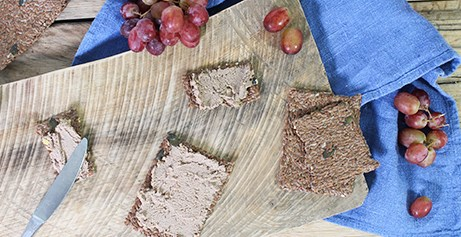 Organic pâtés and rillettes made from the finest organic meat and wild fish, perfect for canapés.