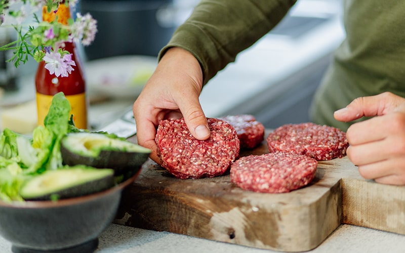 how to cook burgers, organic grass fed beef burgers