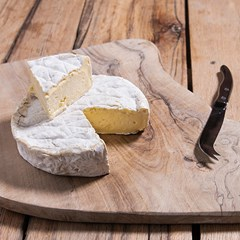 Organic Soft Cheese Brie Wheel