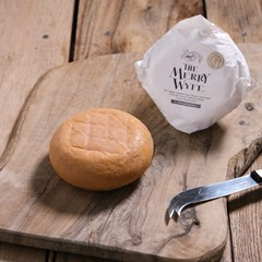 The Merry Wyfe organic cheese