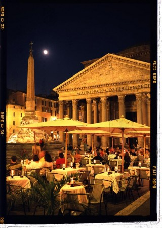 Al fresco: Dining in the historic Pantheon