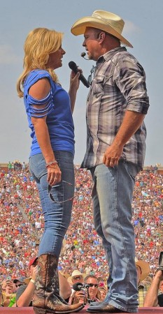 Gig: Brooks with wife Trisha Yearwood