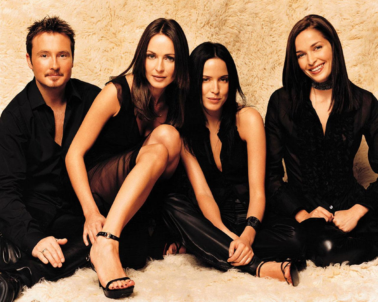 the_corrs_live_in_ma.jpg