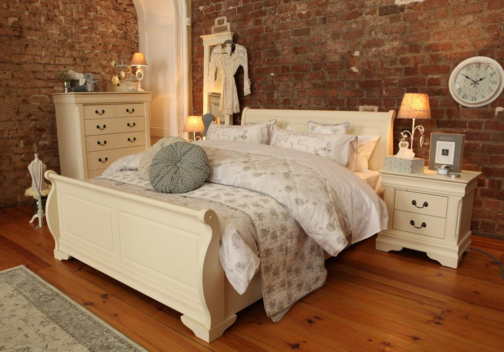 9. PICS  Decorate With All White Bedroom Furniture Accessories