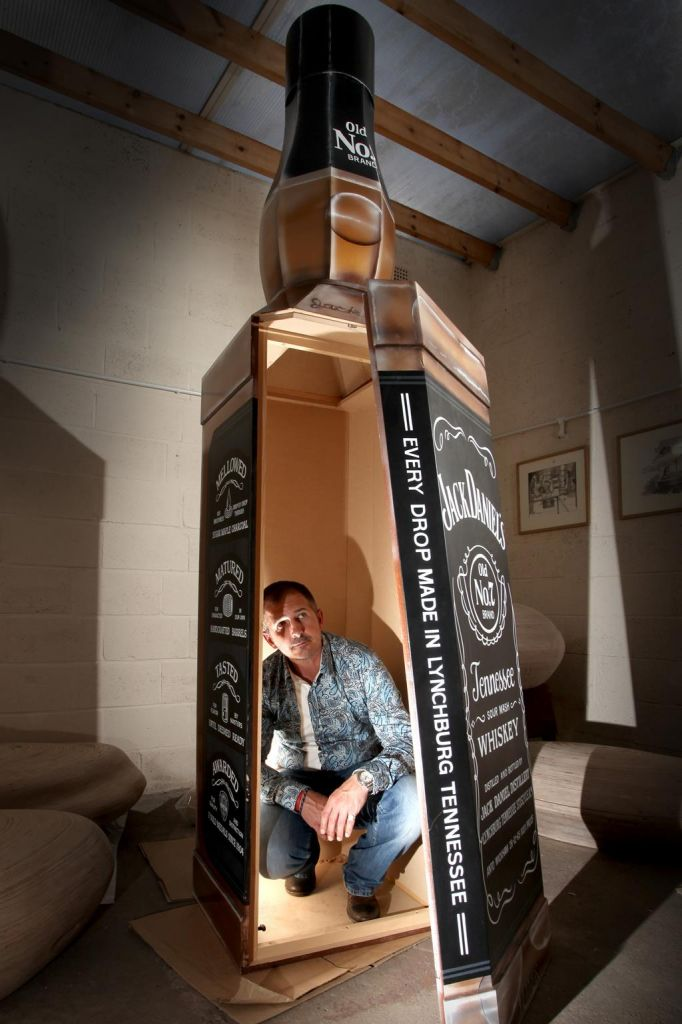 Crazy Coffins – set up ten years ago – was the company that rose to the challenge of the kooky order.