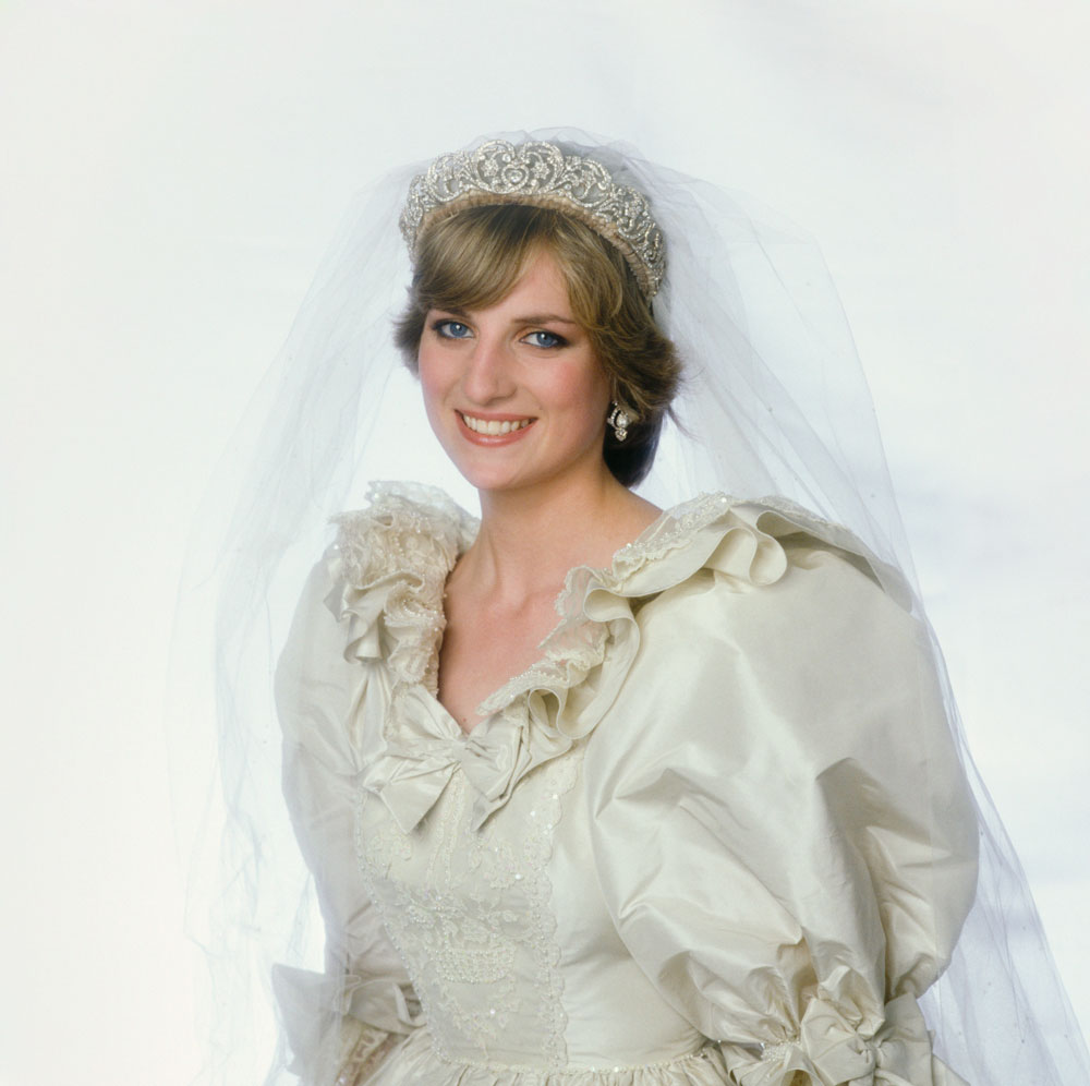 Princess Dianas Wedding Dress To Be Inherited By Her Sons