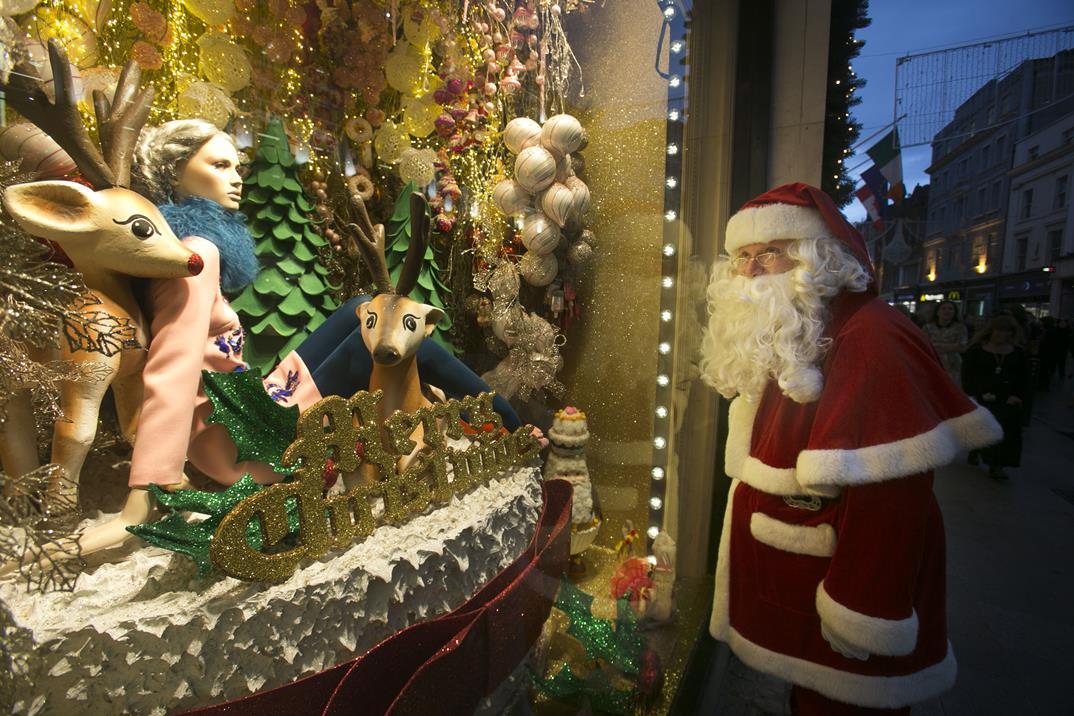 Evoke-67 NO FEE BT Christmas Window