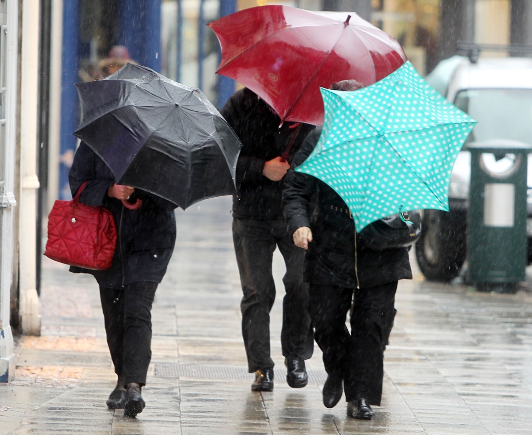 Rain and drizzle will give way for thundery down pours on monday