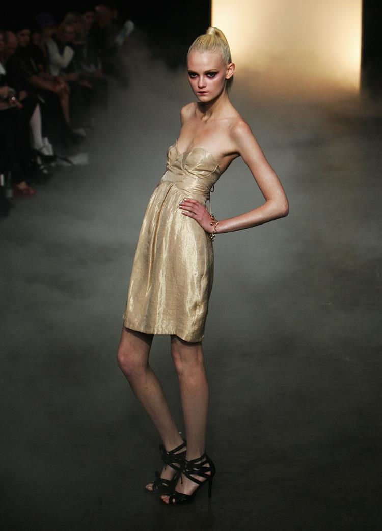 fashion industry and anorexia The anorexia-related death in november of brazilian model ana carolina reston, who weighed only 88 pounds at the time, shocked many in the fashion industry.