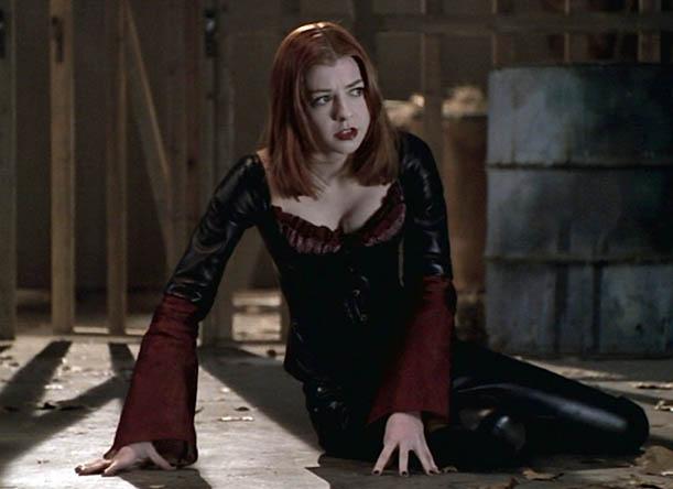 5-goth-120112-vampire-willow