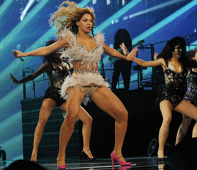 Beyonce sexy legs and thighs were visited