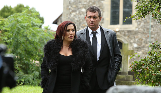 kat-and-alfie-attend-michael-s-funeral-125558_w650