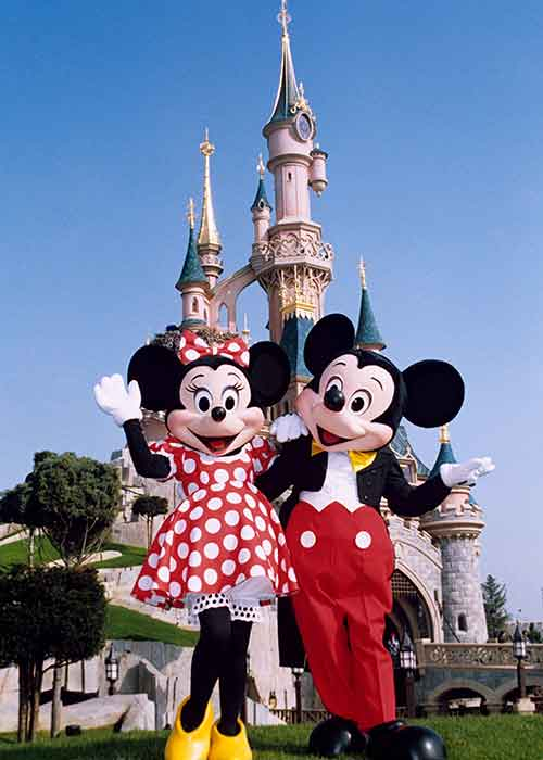 disneyland paris tickets price probe after ft expose. Black Bedroom Furniture Sets. Home Design Ideas