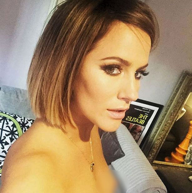 [PIC] Caroline Flack Topless Selfie: Accidentally Shows Nipple