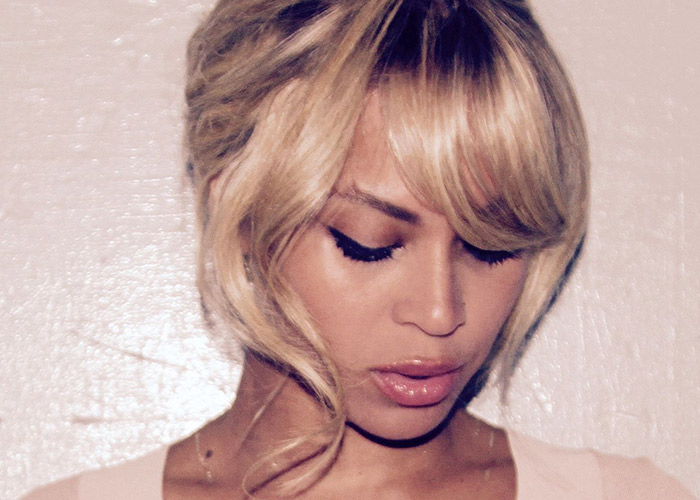 Beyonce announced their separation at Kelly's shindig. Not the best b-day present...