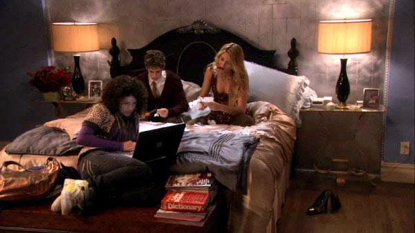 Gossip-Girl-TV-show-sets-Blairs-bedroom-2-1