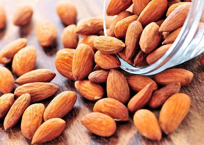 Top FIVE Everyday Superfoods Raw Almonds