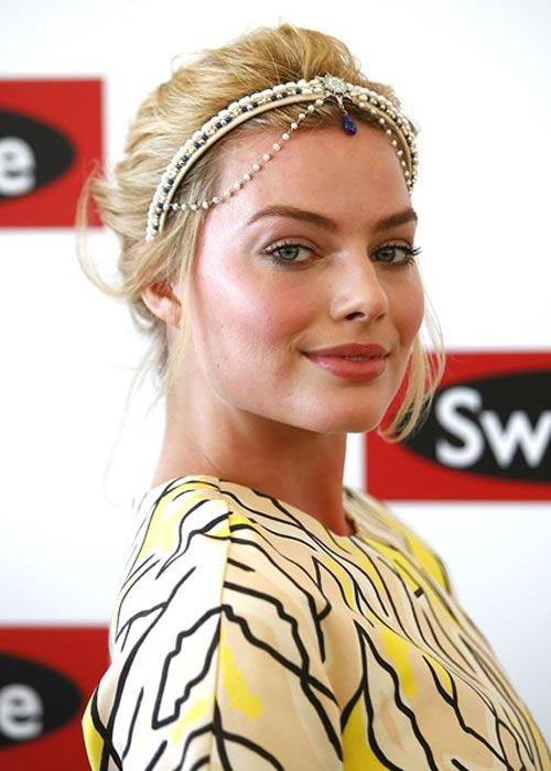 Margot-Robbie_glamour_10nov14_rexfeatures_b_426x639