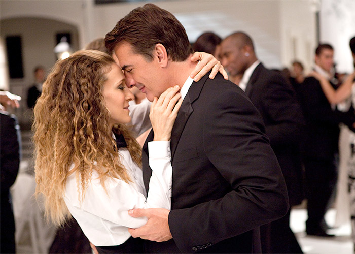 Sex-and-the-City-2-movie-image-20-carrie-couple