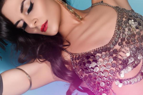 The Arabian Temptress Bellydancer