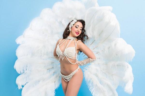 Classic Pearls Burlesque