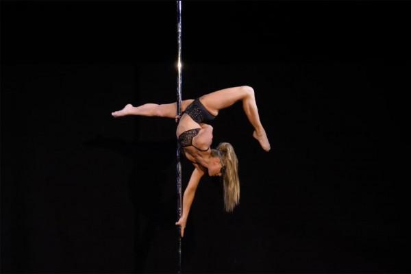 50 Shades Pole Show