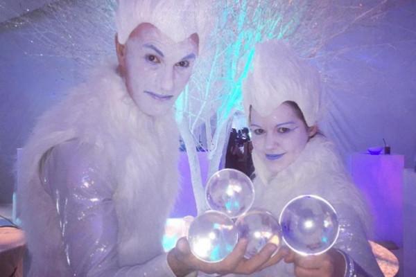 Ice Jugglers