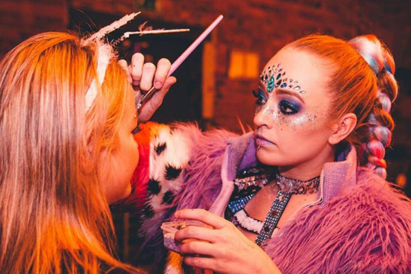 Make Up / Glitter / Body Art