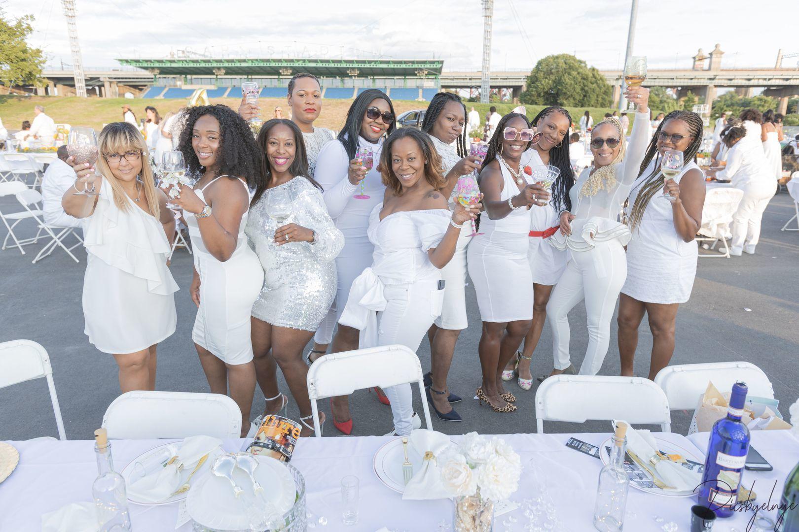 Soiree en Blanc - a Gala in White
