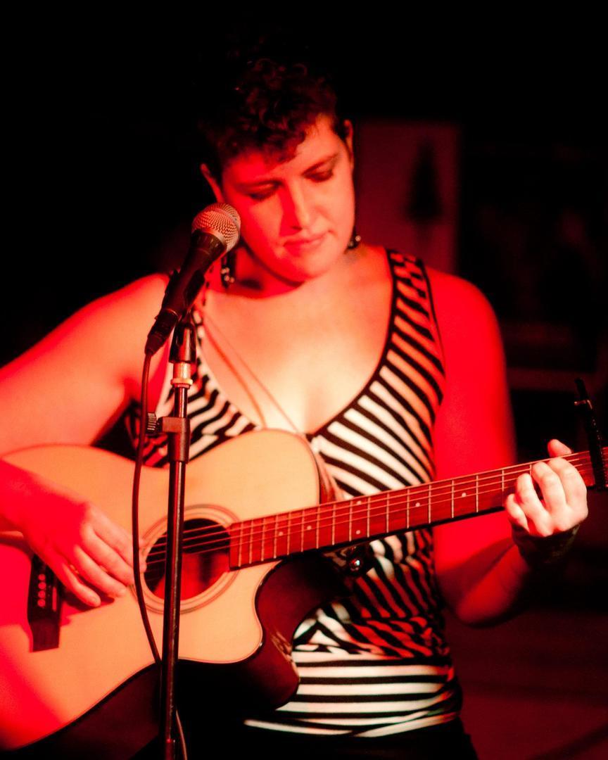 Concerts in the Plaza - Carey Seward