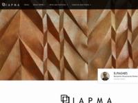 De International Association of Hand Papermakers and Paper Artists (IAPMA) is 's werelds toonaangevende organisatie voor papierkunstenaars. Het werd opgericht in 1986 in Düren, Duitsland, toen papier als kunstmedium veel minder bekend was dan het nu is. Hoewel de geschiedenis en productie van papier een onderdeel is van de activiteiten van de Vereniging, staat de rol van papier als kunstvorm en als hedendaags artistiek medium centraal.