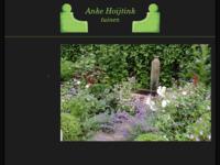 Mijn tuinontwerp buro met foto's van voorbeelden , metamorfoses en tuinimpressies van door mij ontworpen tuinen.