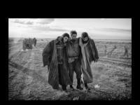 Dit is de site van Eddy van Wessel, fotograaf in gebieden die door de oorlogen of rampen niet of bijna niet meer bewoonbaar zijn. Hij fotografeert in zwart-wit en wil weergeven hoe de mens in dat gebied is.