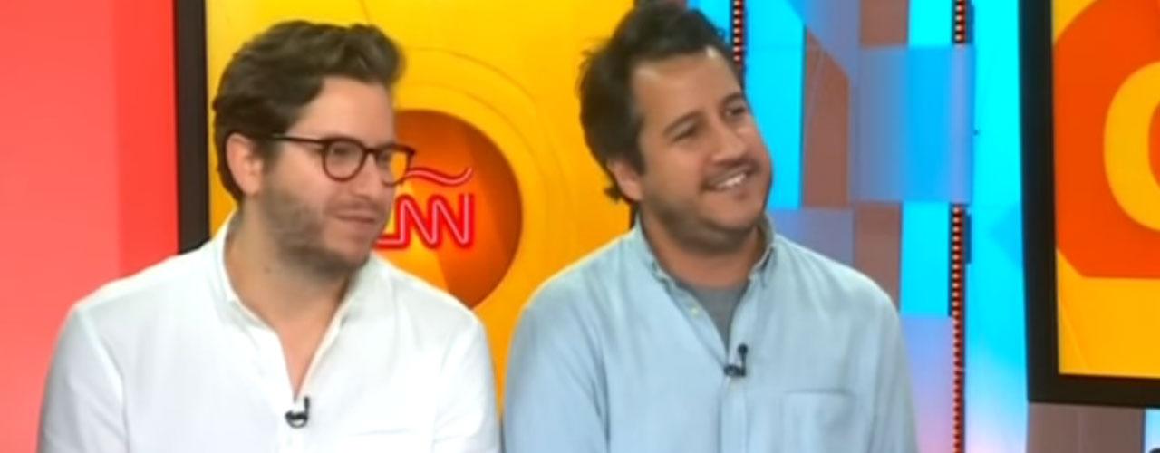 Los creadores del Chigüire Bipolar entrevistados en la cadena de televisión CNN